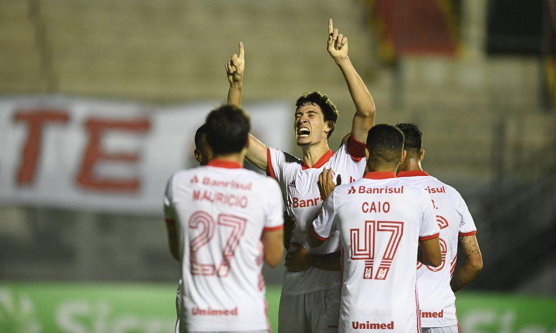 inter-vence-brasil-de-pelotas-e-segue-na-lideranca-do-gauchao