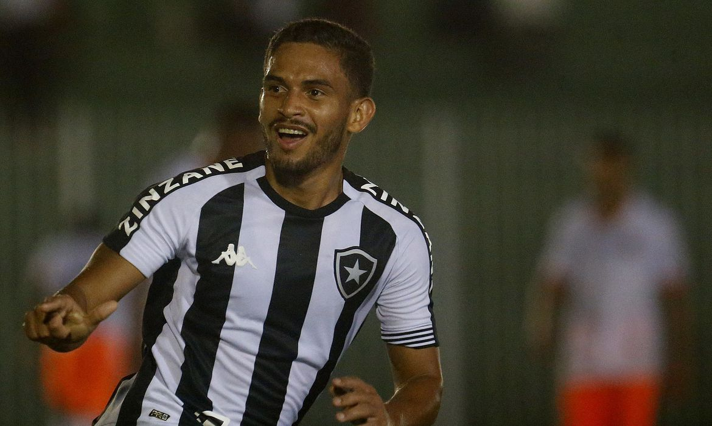 botafogo-vira-no-fim-e-segue-na-luta-pela-semi-do-campeonato-carioca
