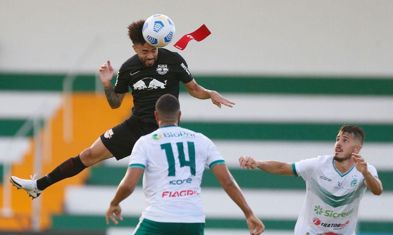 gols-de-cabeca-classificam-bragantino-na-copa-do-brasil