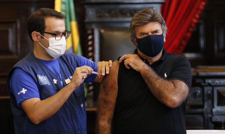 presidente-do-stf-toma-primeira-dose-de-vacina-contra-covid-19-no-rio