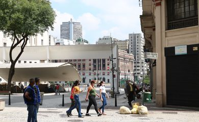 prefeitura-do-rio-impede-festa-para-200-pessoas-em-embarcacao