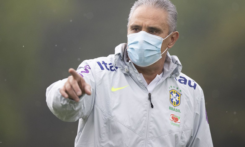 selecao-brasileira:-tecnico-tite-e-vacinado-contra-covid-19