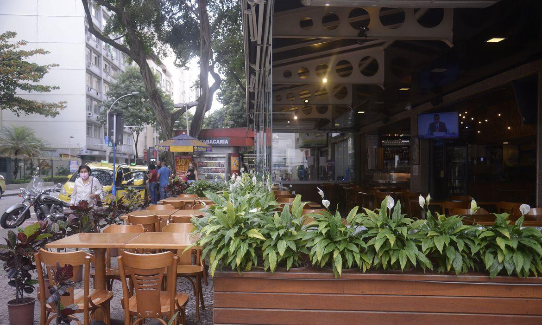 rio-reabre-hoje-bares,-restaurantes-e-comercio-nao-essencial
