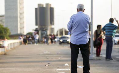 equador:-banqueiro-tem-vitoria-surpreendente-sobre-socialista