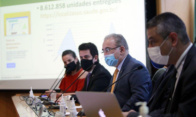 governo-auxilia-estados-com-kit-intubacao,-diz-ministro