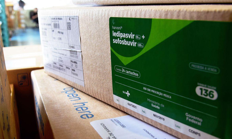 brasil-recebe-2,3-milhoes-de-kits-de-intubacao-vindos-da-china