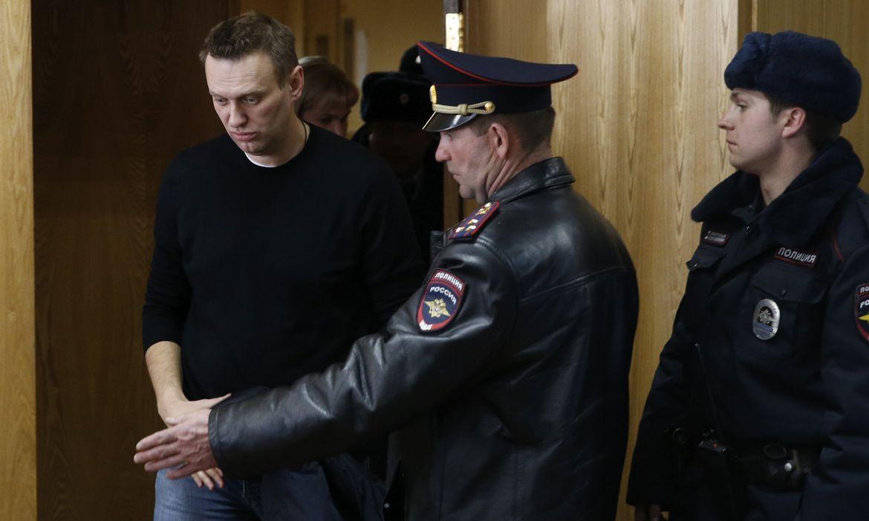 em-greve-de-fome,-opositor-russo-navalny-sera-transferido-a-hospital