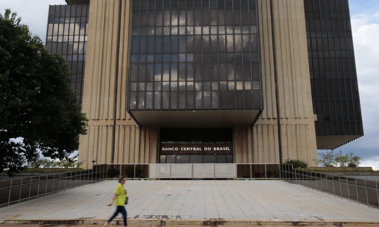 bolsonaro-nomeia-presidente-e-diretores-do-bc-para-mandatos-fixos