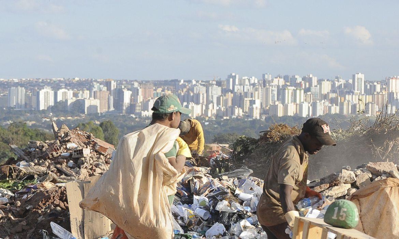 marco-do-saneamento:-brasil-desativa-600-lixoes-em-um-ano
