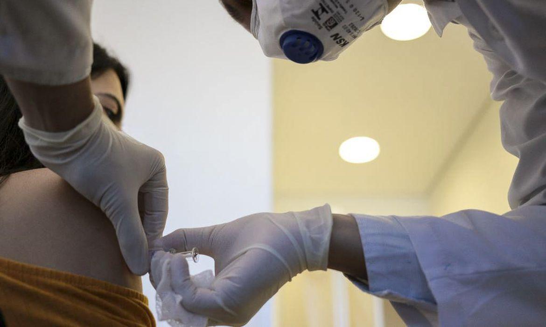 pesquisa:-reforco-de-estrutura-nos-postos-pode-acelerar-vacinacao