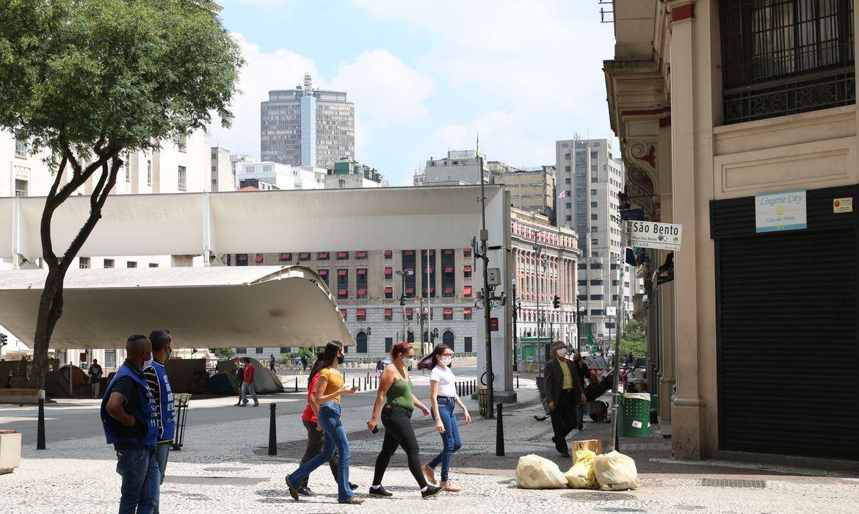 sao-paulo-autoriza-uso-de-estacionamentos-por-bares-e-restaurantes