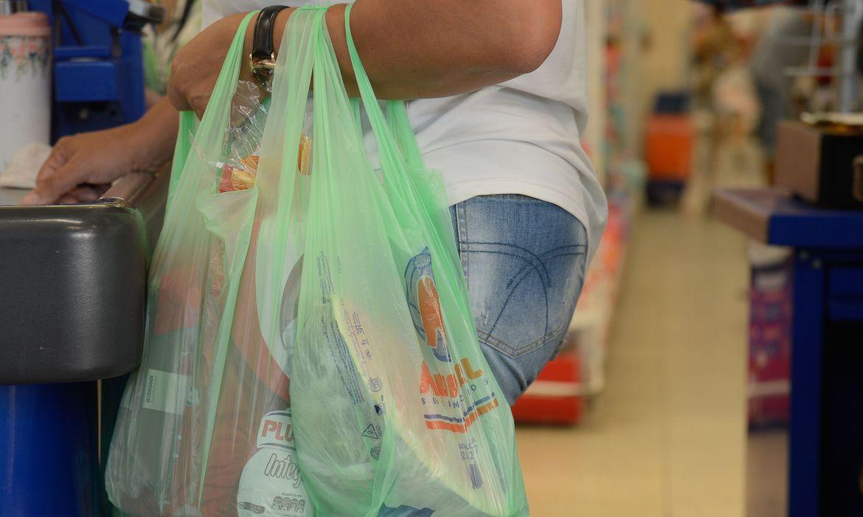 com-pandemia,-consumidor-do-rio-vai-as-compras-apenas-uma-vez-por-mes