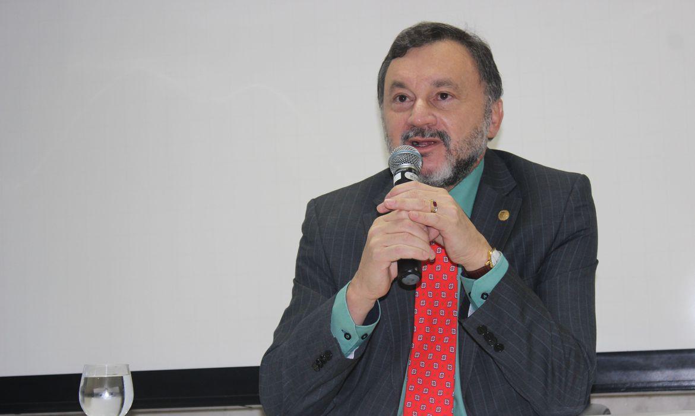 tst:-ministro-walmir-oliveira-morre-por-complicacoes-da-covid-19