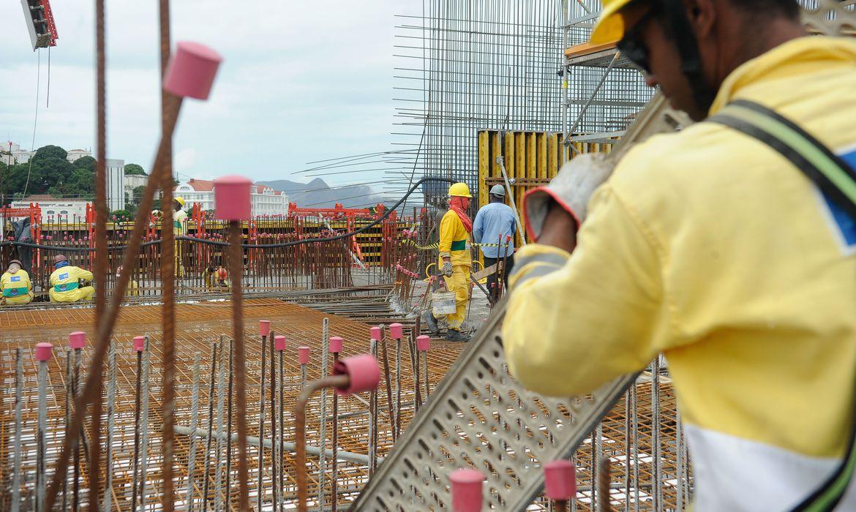 estimativa-para-o-pib-da-construcao-cai-de-4%-para-2,5%-em-2021