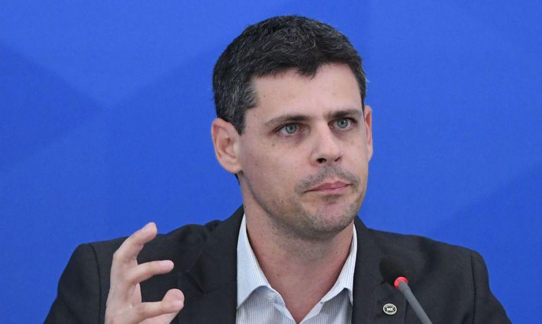 secretario-do-tesouro-minimiza-risco-de-paralisacao-da-maquina-publica