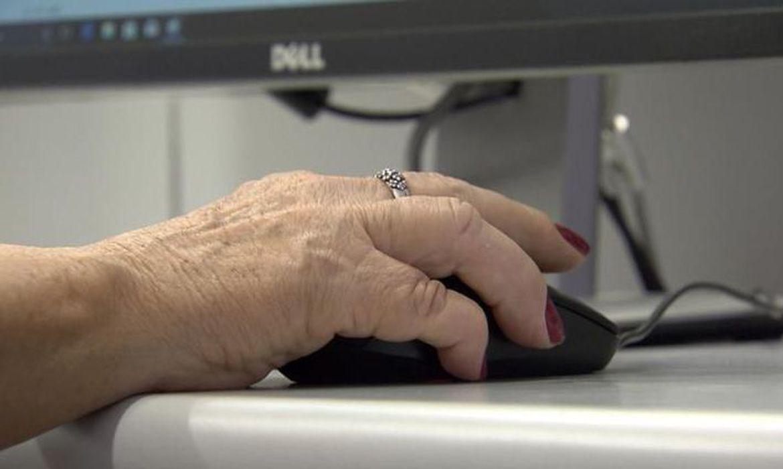 forum-debate-inclusao-de-idosos-no-mundo-digital