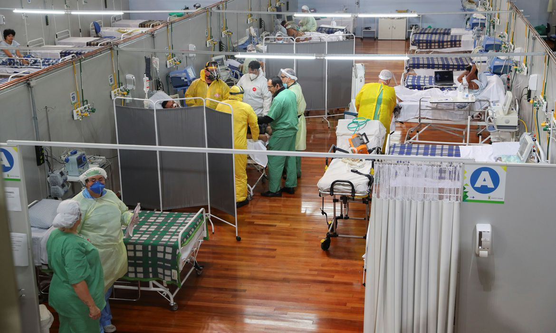 covid-19:-brasil-tem-403,7-mil-mortes-e-14,6-milhoes-de-casos
