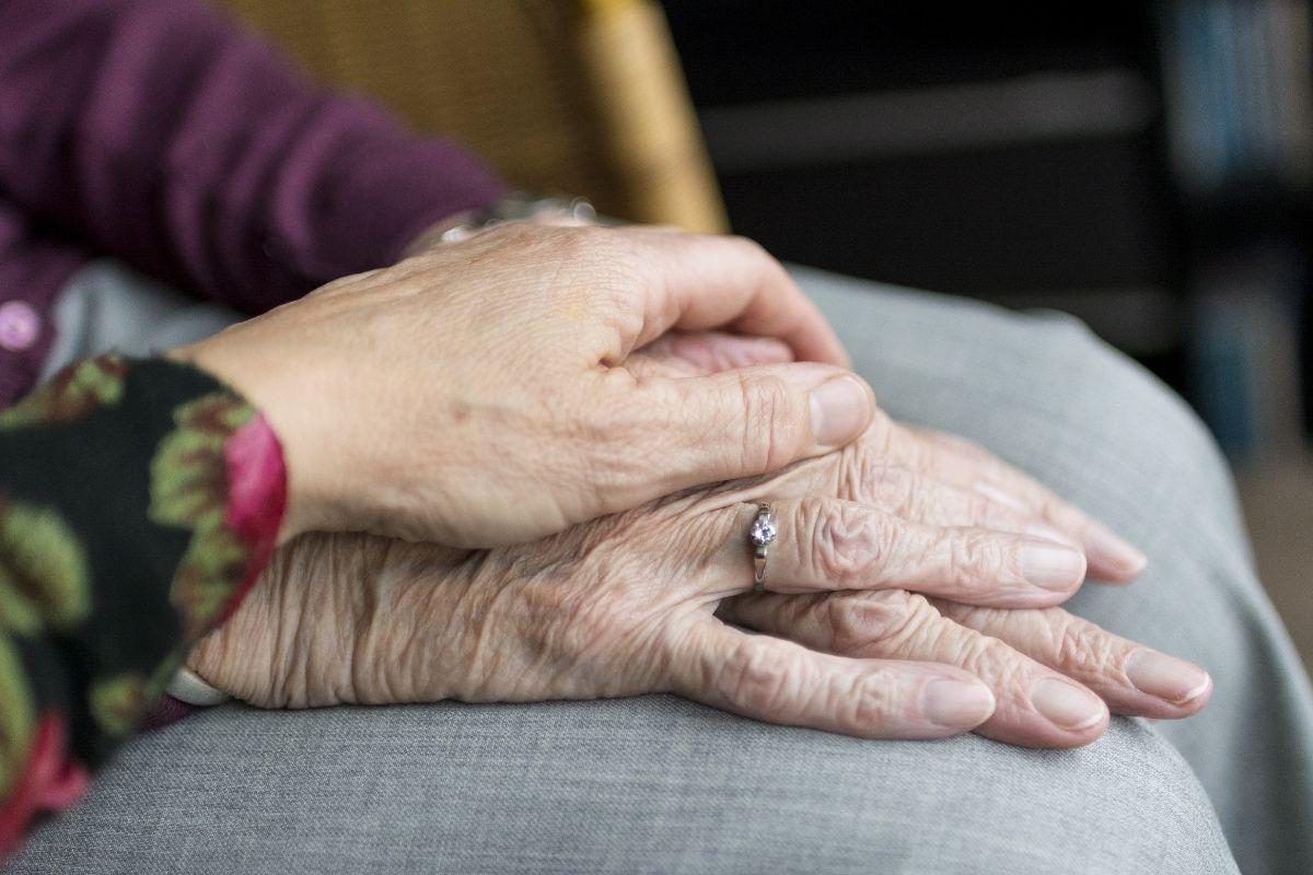 Cartórios paulistas registram menos mortes de idosos por covid-19