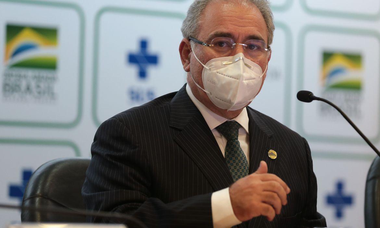 queiroga-concede-entrevista-apos-chegada-de-lotes-de-vacinas