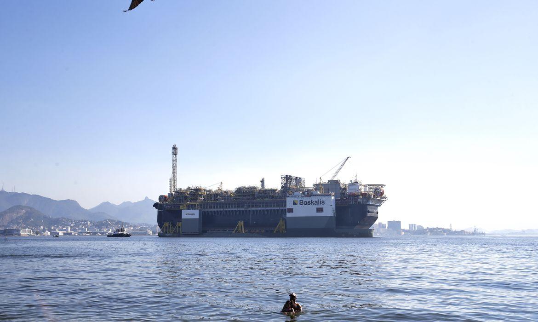 petroleo:-producao-na-bacia-de-santos-ultrapassa-70%-do-total-nacional
