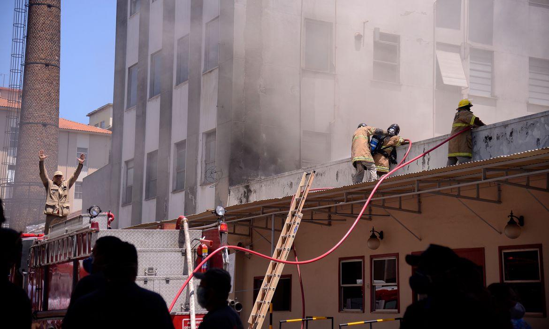 sobrecarga-na-rede-eletrica-causa-mais-de-50%-dos-incendios-domesticos