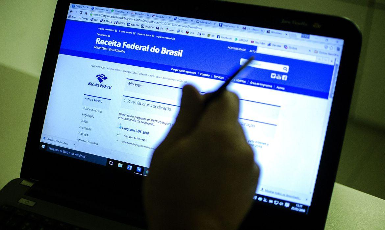 bolsonaro-veta-projeto-que-adiava-prazo-de-entrega-da-declaracao-do-ir