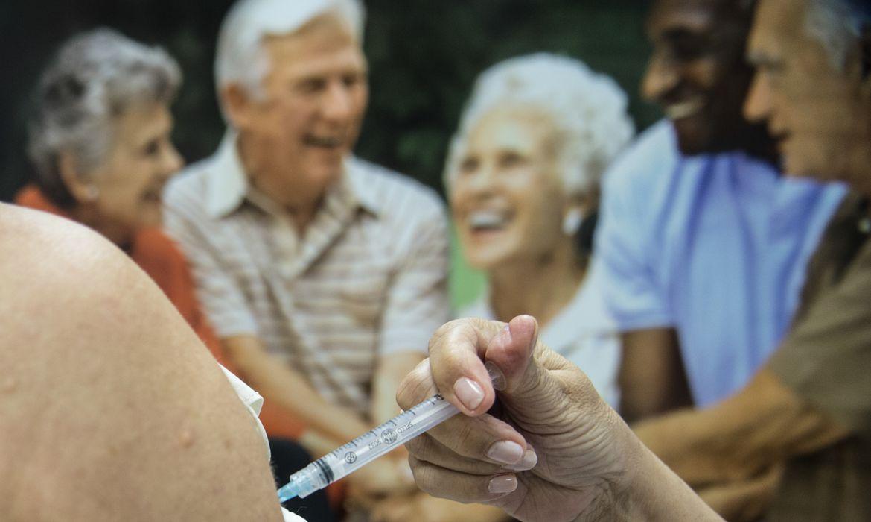 sp:-so-um-em-cada-100-mil-idosos-teve-reacao-a-vacinas-de-2015-a-2017