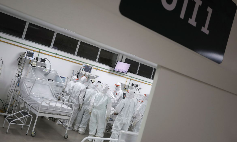 ministro-anuncia-aquisicao-de-4,5-milhoes-de-kits-para-intubacao