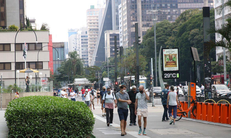 covid-19:-brasil-registra-72,7-mil-casos-e-2,3-mil-mortes-em-24-horas