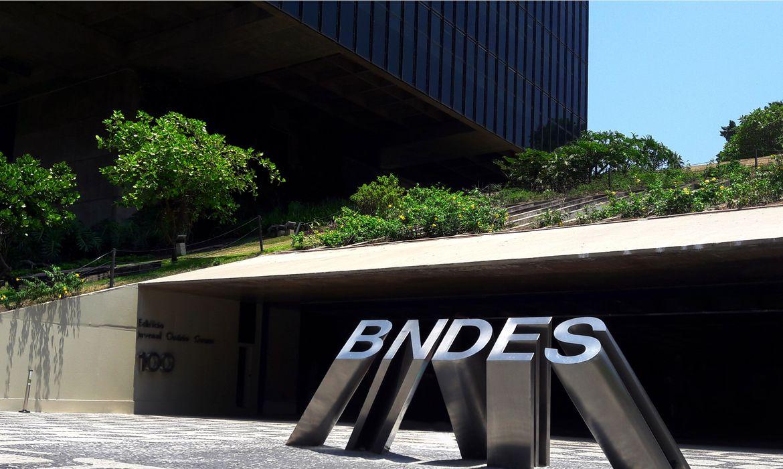 bndes-tem-lucro-de-r$-9,8-bilhoes-no-trimestre