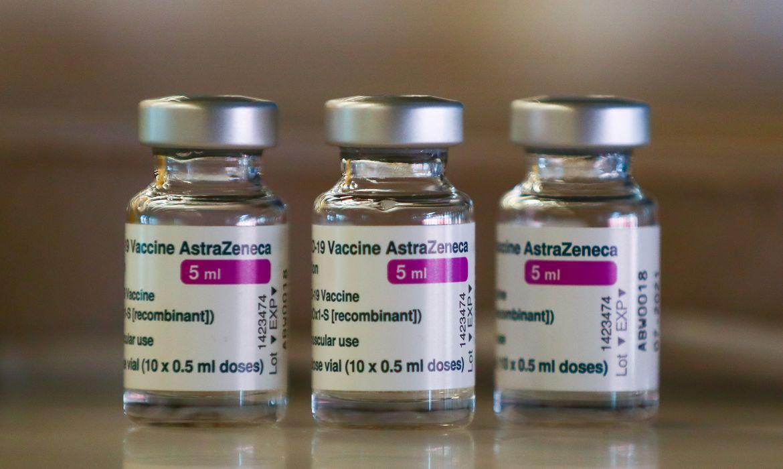 fiocruz-deve-receber-mais-duas-remessas-de-insumo-para-vacinas-em-maio