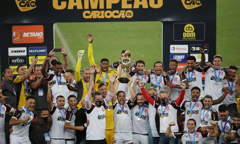 flamengo-derrota-fluminense-por-3-a-1-e-conquista-o-carioca
