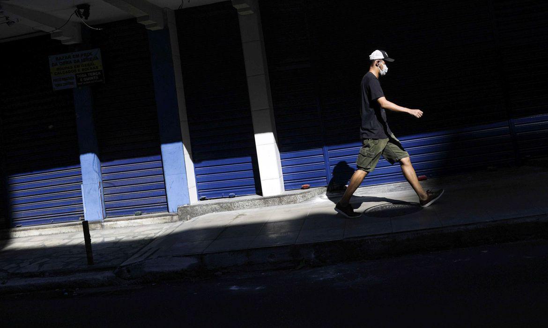 numero-de-mortes-por-covid-19-no-brasil-chega-a-449.068