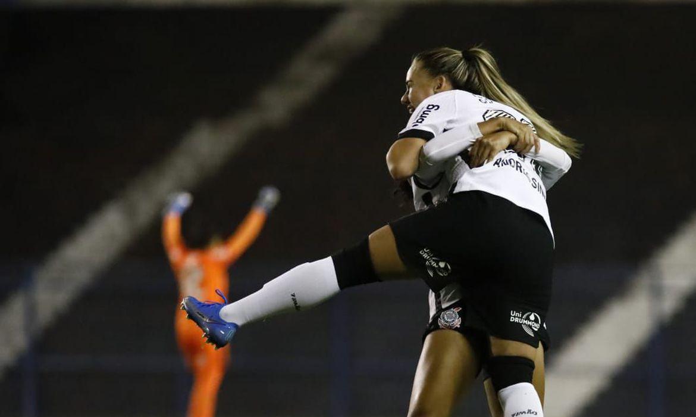 corinthians-vence-e-mantem-lideranca-no-brasileiro-feminino
