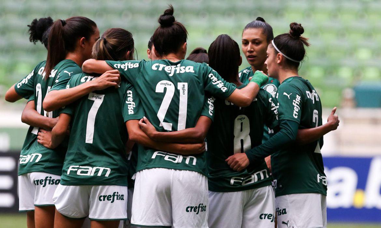 brasileiro-feminino:-palmeiras-goleia-sao-jose-e-pressiona-corinthians