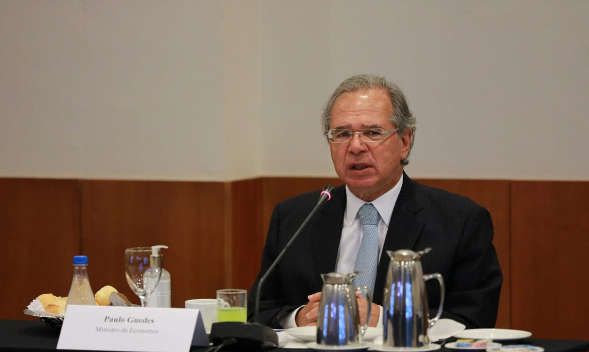 hackers-invadem-transmissao-de-palestra-do-ministro-paulo-guedes