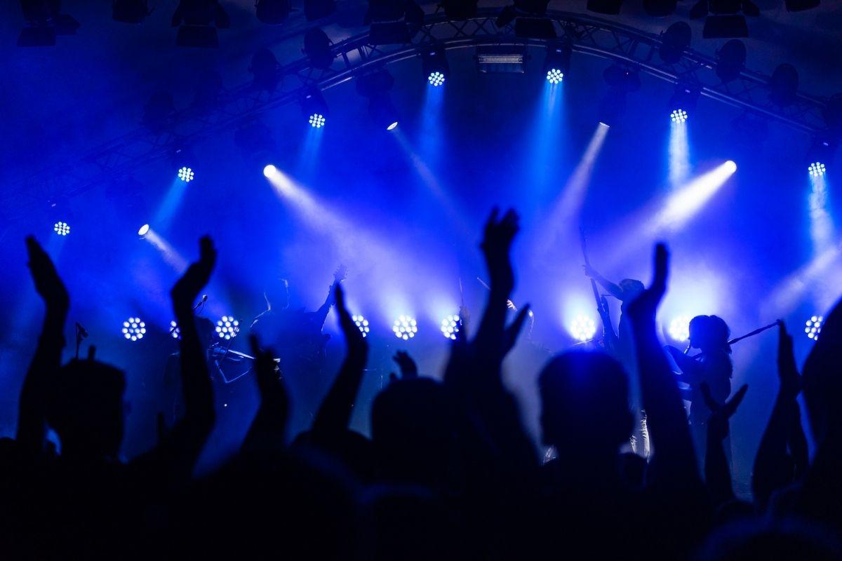 Festa clandestina com 600 pessoas é interrompida em Osasco