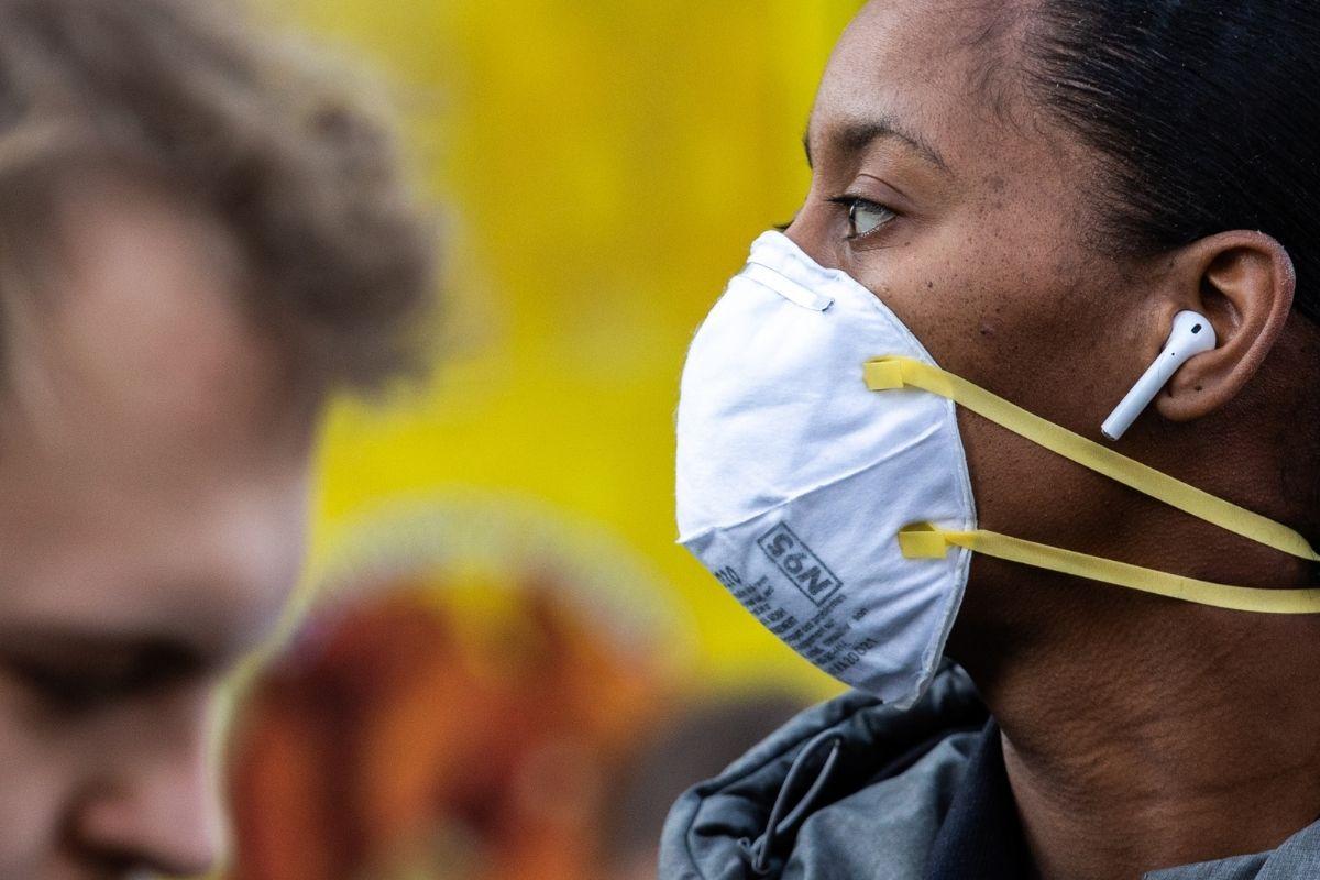 CDC diz que pessoas vacinadas contra Covid-19 podem ficar sem máscara