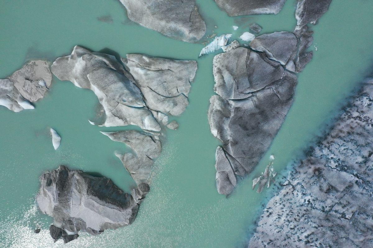 Incrível uma antiga cidade é descoberta submersa em um lago suíço