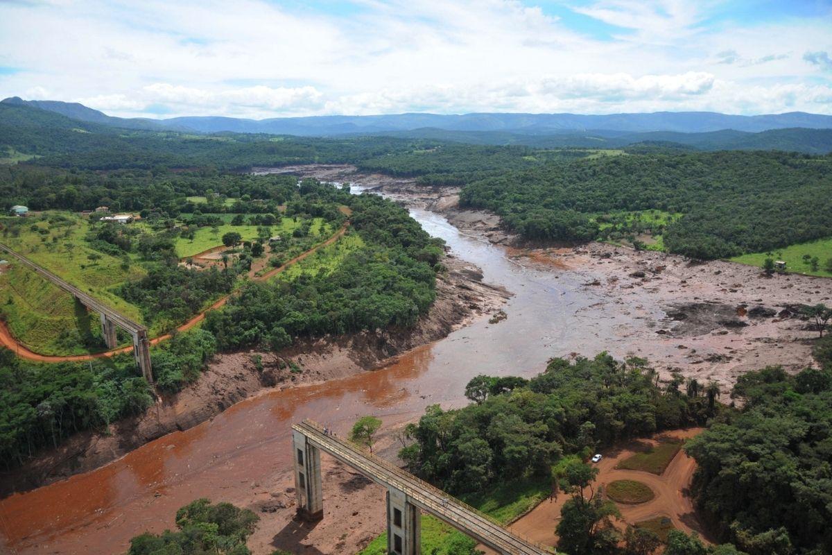 Vale considera remoção de famílias em Itabira, Minas Gerais