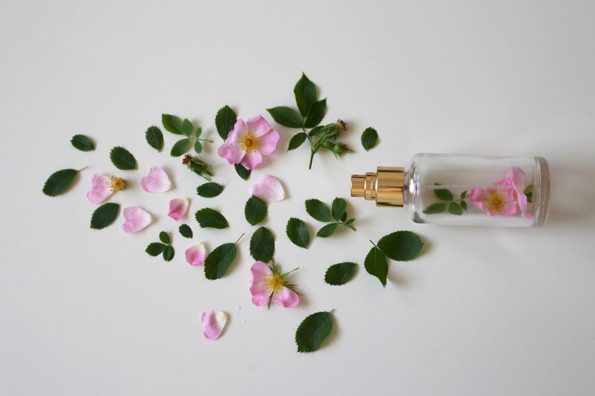 Segredos para que o perfume dure mais no seu corpo