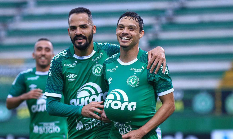 Chapecoense e América (MG) empatam em 1 a 1 pela Série A