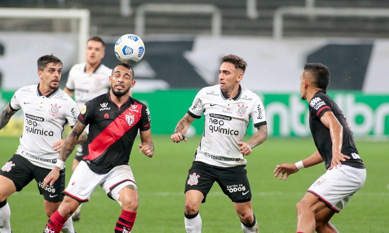 atletico-go-bate-corinthians-de-novo-e-sai-na-frente-na-copa-do-brasil