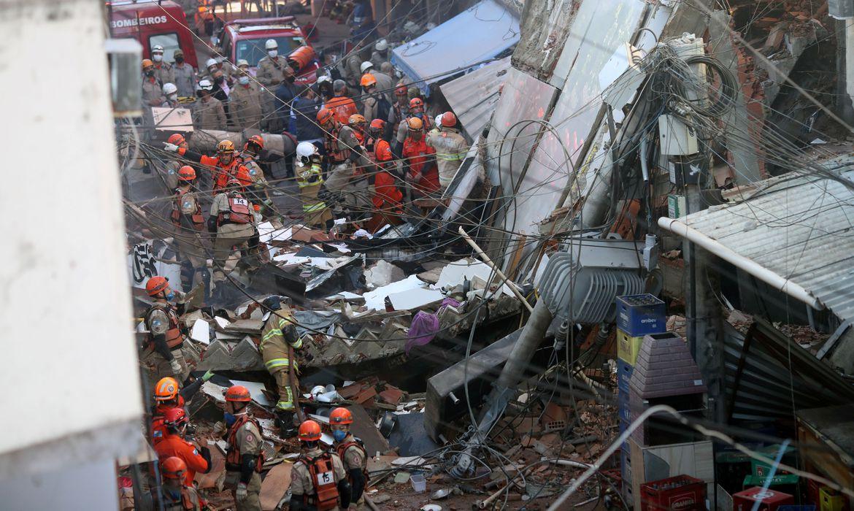 bombeiros-resgatam,-sem-vida,-mais-uma-vitima-de-desabamento-no-rio