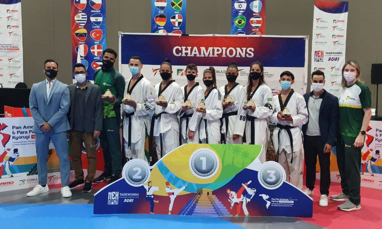 taekwondo:-brasil-fatura-13-medalhas-no-primeiro-dia-do-pan-no-mexico