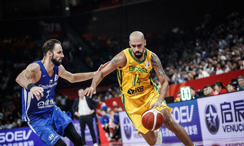 marquinhos-e-raulzinho-pedem-dispensa-do-pre-olimpico-de-basquete