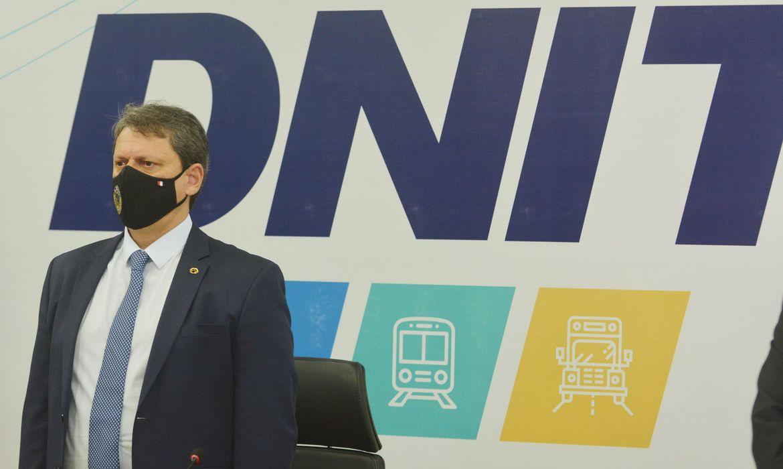 pais-passa-por-transformacao-da-infraestrutura-nacional,-diz-ministro