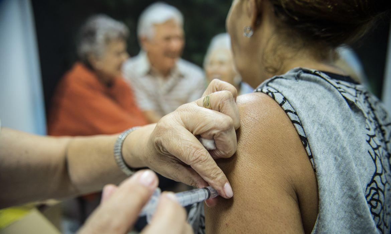 viana,-no-espirito-santo,-vacinara-populacao-de-19-a-49-anos