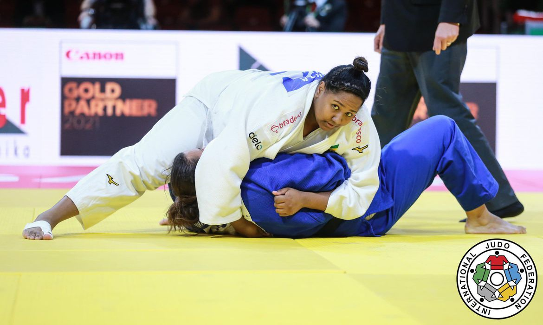 mundial-de-judo:-brasil-confirma-duas-medalhas-no-peso-pesado-feminino