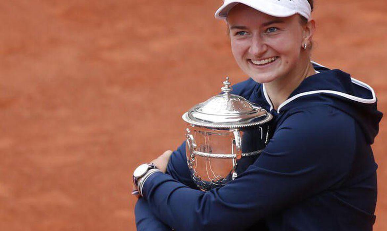 tenista-tcheca-krejcikova-e-campea-de-roland-garros